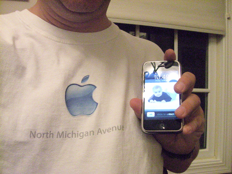 appleshirt-iphone.jpg