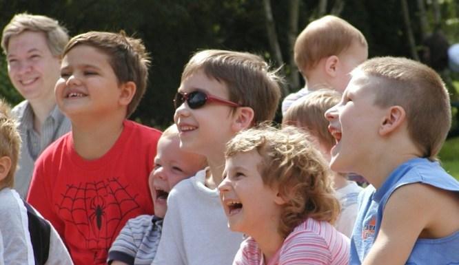 kidslaughing2b